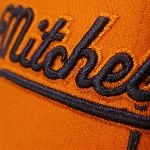 Mitchell & Ness Accessories - mitchell & ness cap
